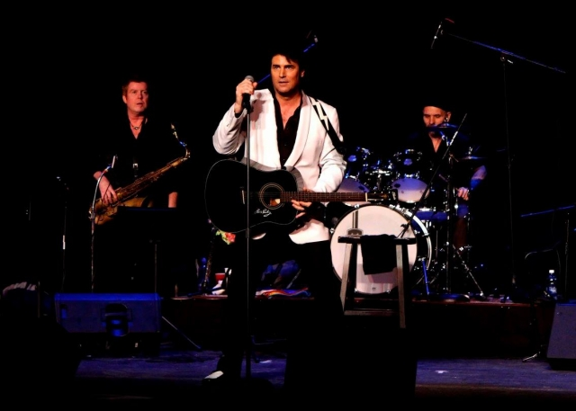 Chris MacDonald tribute to 1950's Elvis look performing Blue Suede Shoes
